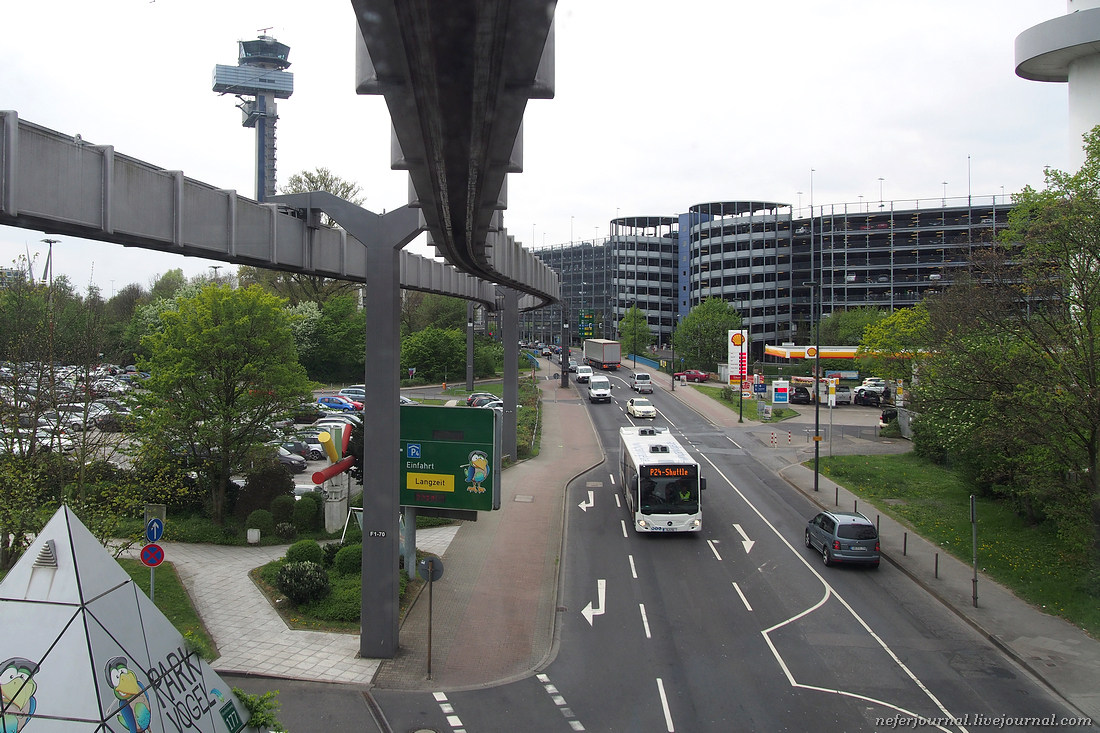 Фуникулер Sky-Train в аэропорту Дюссельдорфа