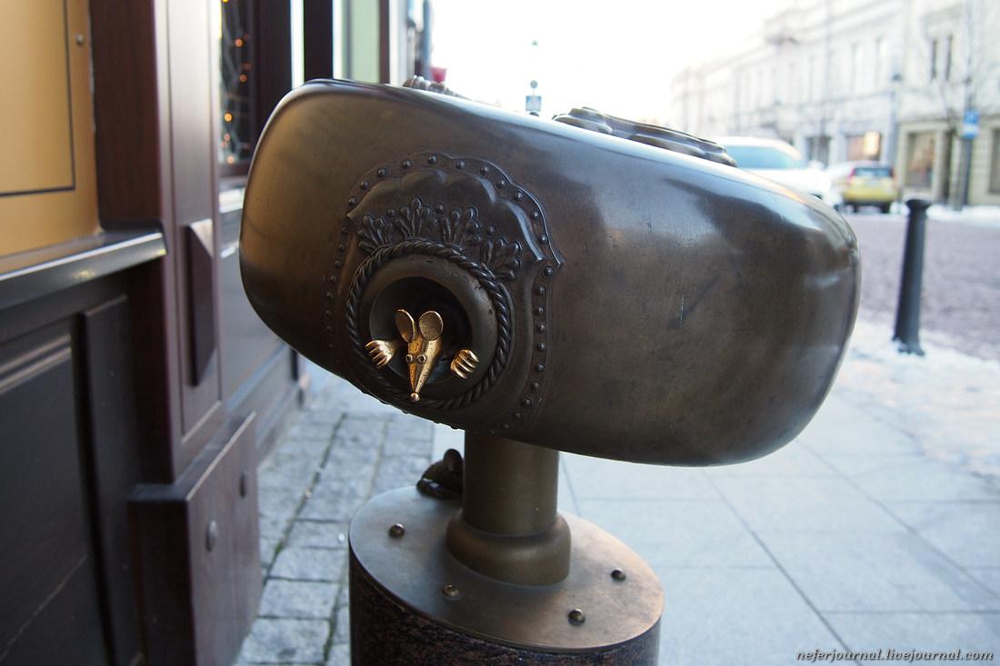 Вильнюс. Памятник сыру, мышка и крыска.
