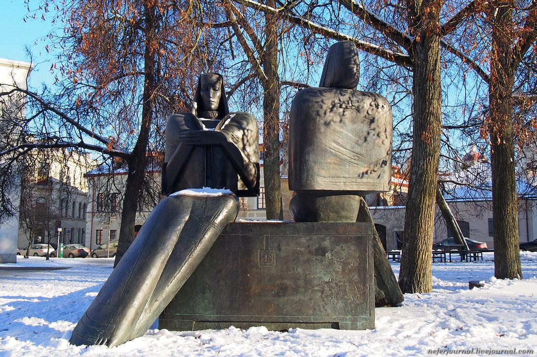 Вильнюс. Памятник прадеду Пушкина и прототип Доктора Айболита.
