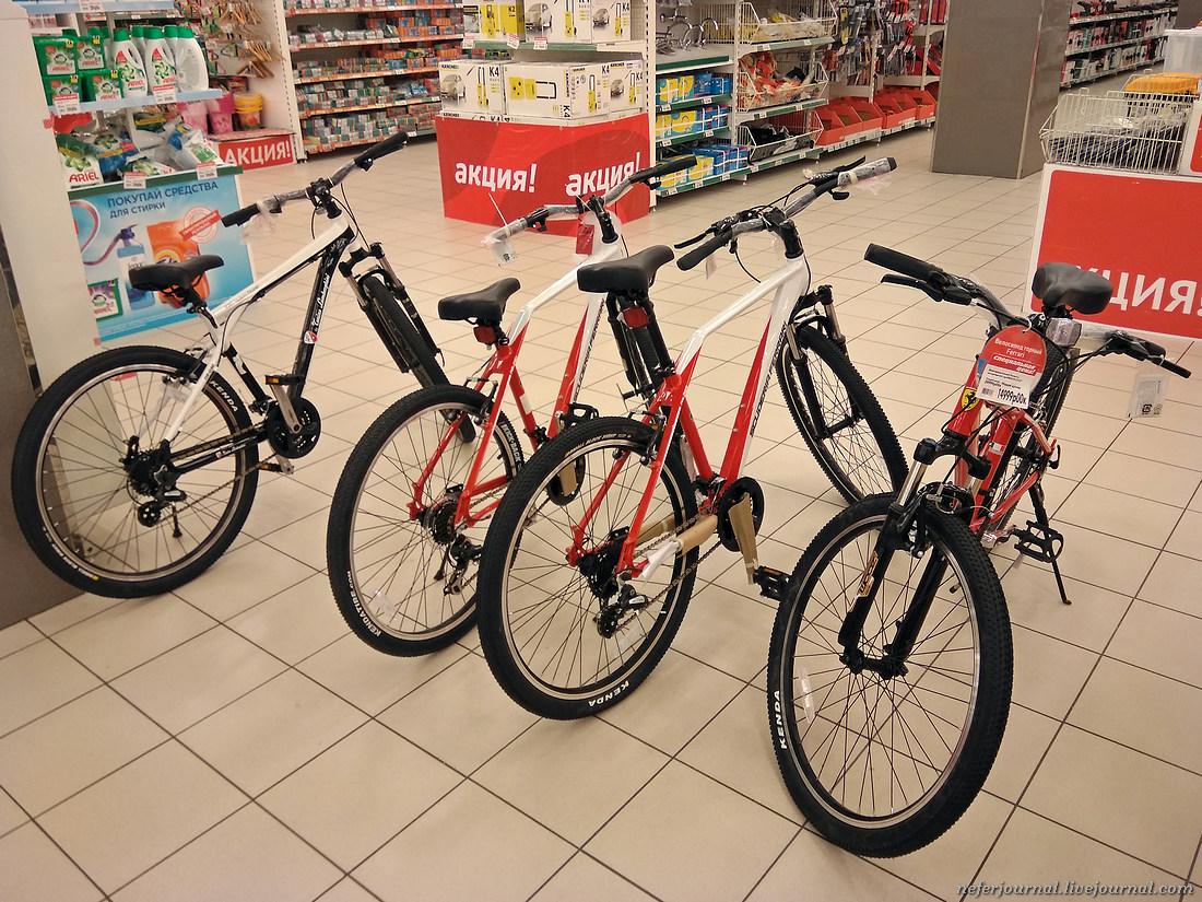 Феррари и Ламборджини в супермаркете О'кей