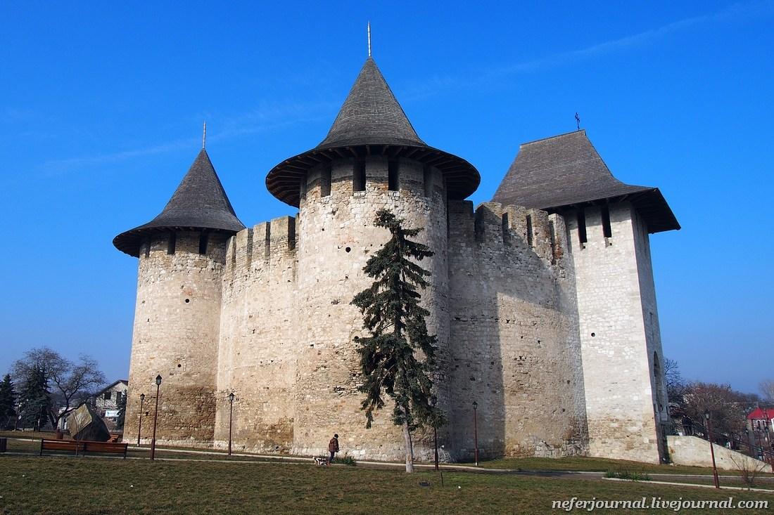 Сорокская крепость, Свеча Благодарения и Украина за рекой