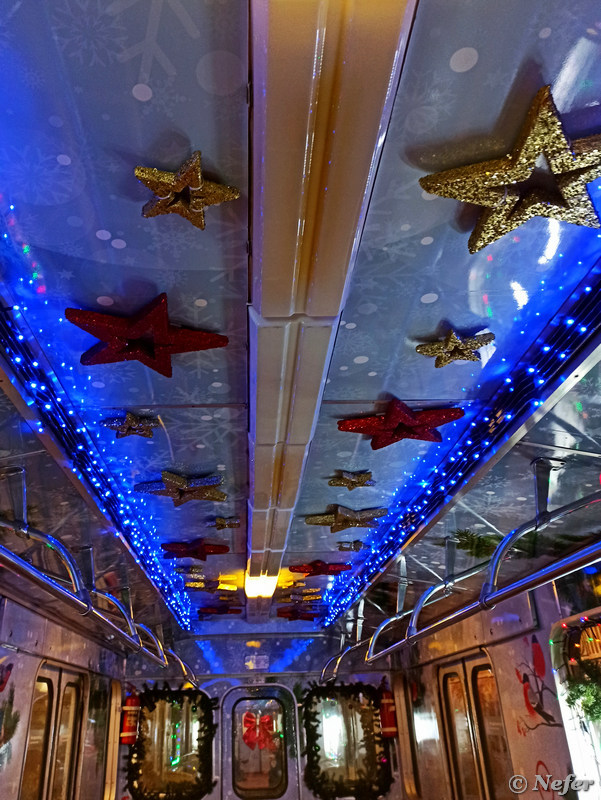 В новогоднюю ночь покаталась на новогоднем поезде метро redminote8pro