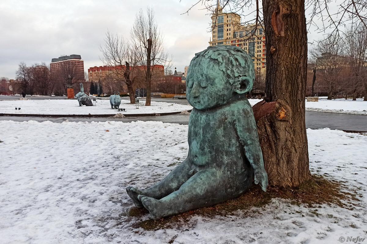 Зимний Музеон безлюден и уныл