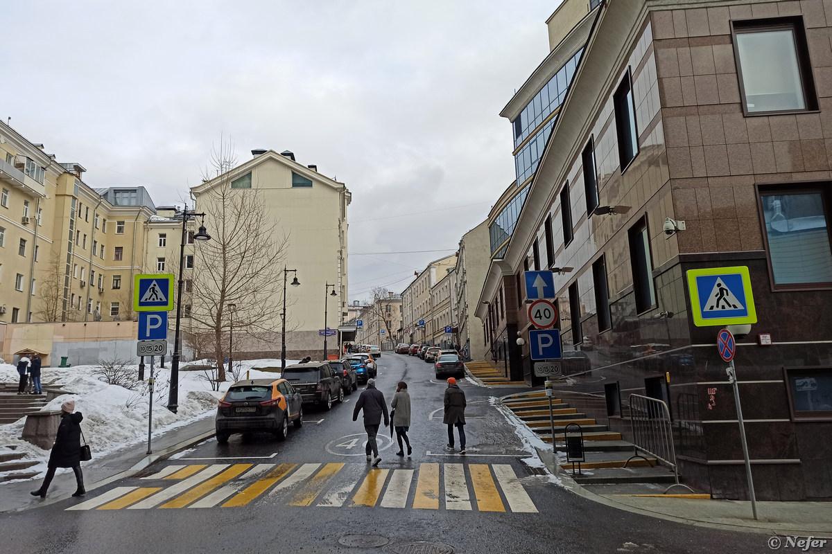 Исторический квартал красных фонарей в Москве и беременные кариатиды moscow,redminote8pro,Россия