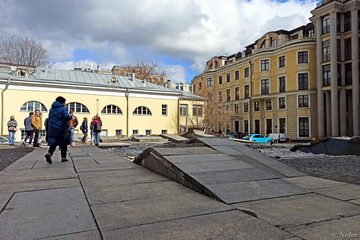 Чудаковатые интерьеры Кубасова и опята из МХАТа