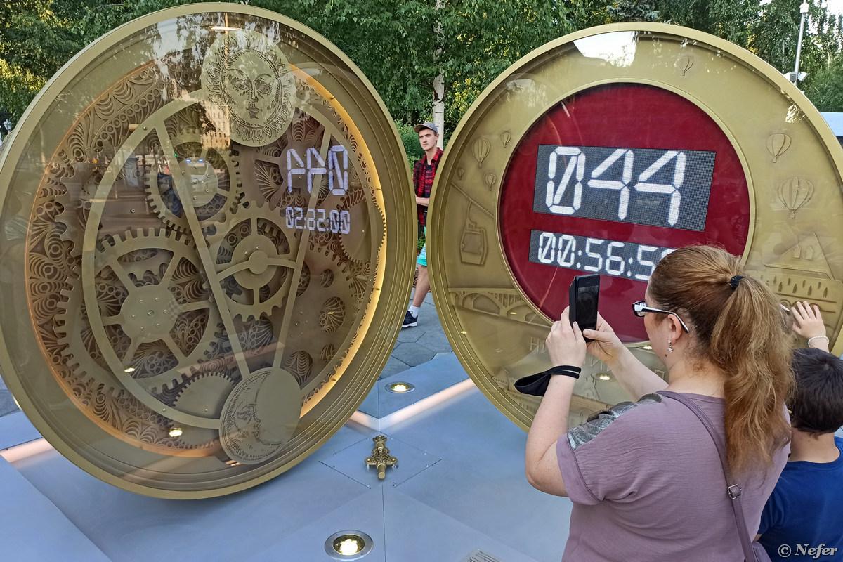 Часы как яйцо Фаберже в парке Зарядье zaryadye,redminote8pro